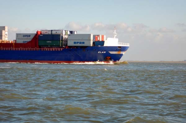 Containerfrachter Elan - IMO: 9315006