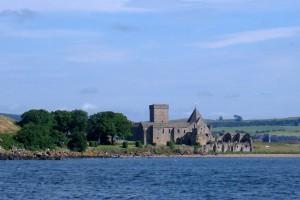 Inchcolm mit dem alten Augustinerkloster, wird auch das Iona des Osten genannt